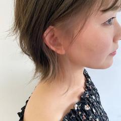 イヤリングカラー オシャレ インナーカラー イルミナカラー ヘアスタイルや髪型の写真・画像