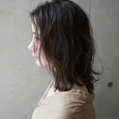 ウェーブ 抜け感 ナチュラル セミロング ヘアスタイルや髪型の写真・画像