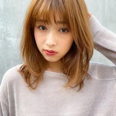 レイヤーカット 小顔 アンニュイほつれヘア ナチュラル ヘアスタイルや髪型の写真・画像