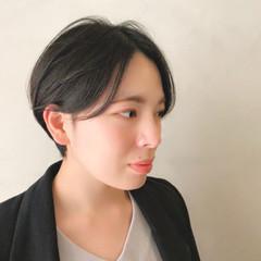 黒髪ショート 簡単スタイリング ナチュラル ハンサムショート ヘアスタイルや髪型の写真・画像