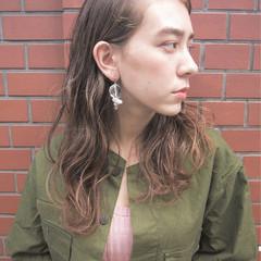パーマ 外国人風 ウェーブ グラデーションカラー ヘアスタイルや髪型の写真・画像