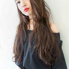 ロング ストリート 外国人風 波ウェーブ ヘアスタイルや髪型の写真・画像