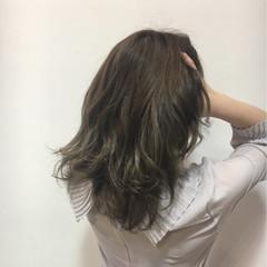 外国人風 セミロング コンサバ グラデーションカラー ヘアスタイルや髪型の写真・画像
