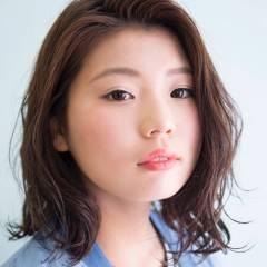 ミディアム パーマ 丸顔 ヘアスタイルや髪型の写真・画像