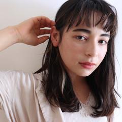 インナーカラー 切りっぱなしボブ セミロング ウルフカット ヘアスタイルや髪型の写真・画像