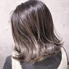 外国人風カラー 切りっぱなしボブ セミロング 大人ハイライト ヘアスタイルや髪型の写真・画像