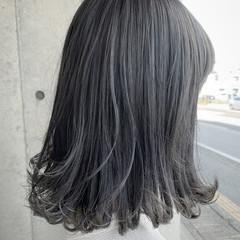ミディアム グレーアッシュ グラデーションカラー グレー ヘアスタイルや髪型の写真・画像