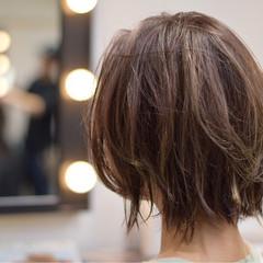 ウェットヘア 外ハネ ボブ ストリート ヘアスタイルや髪型の写真・画像