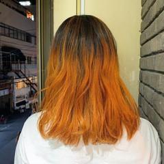 ストリート ミディアム グラデーションカラー オレンジ ヘアスタイルや髪型の写真・画像