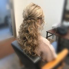セミロング ヘアセット フェミニン ブライダル ヘアスタイルや髪型の写真・画像