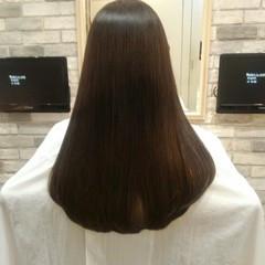 グレージュ 前髪あり 透明感 ナチュラル ヘアスタイルや髪型の写真・画像