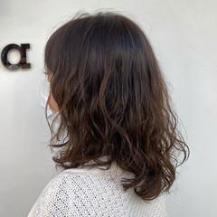 レイヤー ナチュラル ミディアム レイヤースタイル ヘアスタイルや髪型の写真・画像