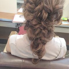 セミロング 編み込み 結婚式 フェミニン ヘアスタイルや髪型の写真・画像