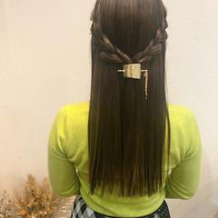 編み込みヘア ハーフアップ ナチュラル ストレート ヘアスタイルや髪型の写真・画像