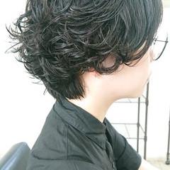 暗髪 ナチュラル 簡単スタイリング 無造作パーマ ヘアスタイルや髪型の写真・画像