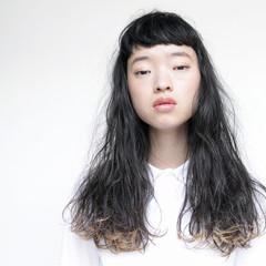前髪あり モード 外国人風 ロング ヘアスタイルや髪型の写真・画像