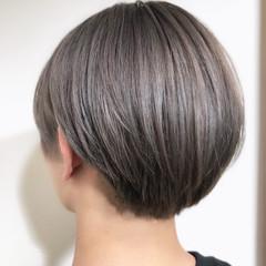 ハイトーン シルバーグレージュ ストリート シルバー ヘアスタイルや髪型の写真・画像