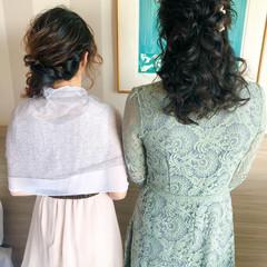 お団子アレンジ 結婚式 ハーフアップ 編み込み ヘアスタイルや髪型の写真・画像