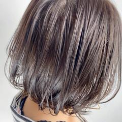 ショートヘア 大人ハイライト 切りっぱなしボブ 3Dハイライト ヘアスタイルや髪型の写真・画像