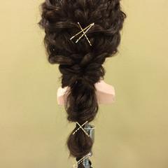 編み込み ヘアアクセ ゆるふわ ヘアピン ヘアスタイルや髪型の写真・画像