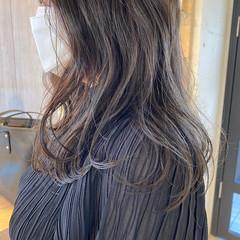 透明感カラー ナチュラル ゆるふわパーマ アッシュベージュ ヘアスタイルや髪型の写真・画像