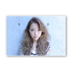 ロング ゆるふわ 大人かわいい 渋谷系 ヘアスタイルや髪型の写真・画像