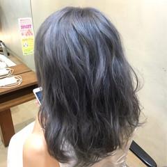 セミロング グレージュ ダブルカラー アッシュ ヘアスタイルや髪型の写真・画像