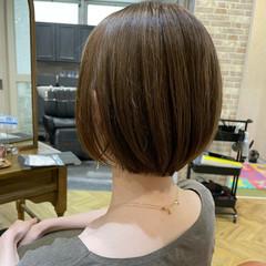 グレージュ ショートボブ 透け感ヘア ショートヘア ヘアスタイルや髪型の写真・画像