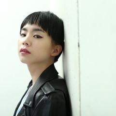 ダブルカラー モード ショート 黒髪 ヘアスタイルや髪型の写真・画像