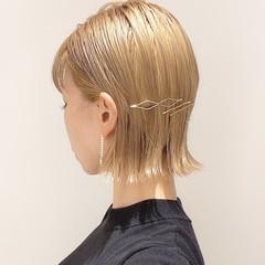 切りっぱなしボブ ボブ ミルクティーベージュ 簡単ヘアアレンジ ヘアスタイルや髪型の写真・画像
