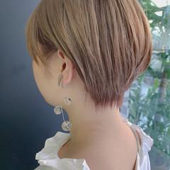ブロンドカラー ハイトーン ピンクベージュ ショート ヘアスタイルや髪型の写真・画像