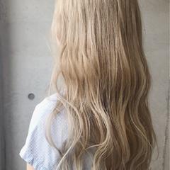 ミルクティー ナチュラル ベージュ ロング ヘアスタイルや髪型の写真・画像