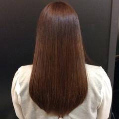 イルミナカラー ロング ストレート ナチュラル ヘアスタイルや髪型の写真・画像