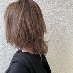 ベージュ アッシュベージュ ウルフカット ミルクティーベージュ ヘアスタイルや髪型の写真・画像