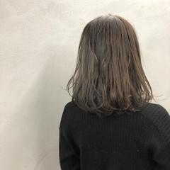耳かけ ボブ ナチュラル ウェットヘア ヘアスタイルや髪型の写真・画像
