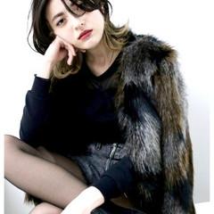 暗髪 外国人風 セミロング グラデーションカラー ヘアスタイルや髪型の写真・画像