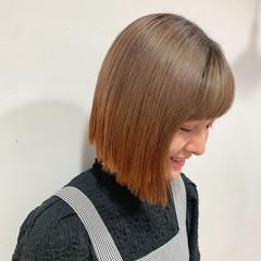 切りっぱなしボブ オレンジ ボブ ストリート ヘアスタイルや髪型の写真・画像