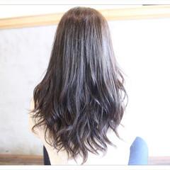 アッシュ ナチュラル セミロング 大人女子 ヘアスタイルや髪型の写真・画像