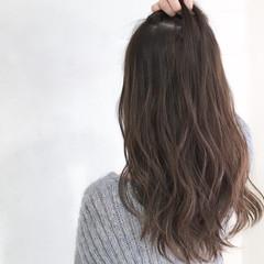 ミルクティー 大人女子 ハイライト 小顔 ヘアスタイルや髪型の写真・画像