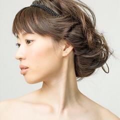 春 フェミニン ゆるふわ ねじり ヘアスタイルや髪型の写真・画像