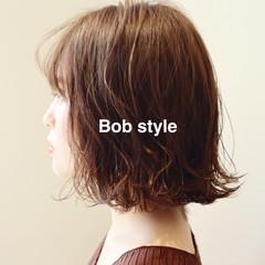 パーマ 外ハネ ボブ 無造作パーマ ヘアスタイルや髪型の写真・画像