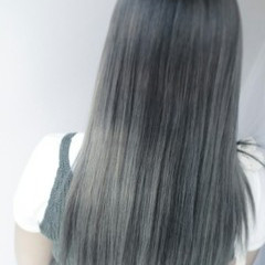 ハイライト 外国人風 アッシュ 暗髪 ヘアスタイルや髪型の写真・画像
