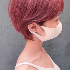 ベリーショート ナチュラル ベリーピンク ショートヘア ヘアスタイルや髪型の写真・画像