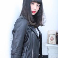 大人女子 小顔 こなれ感 暗髪 ヘアスタイルや髪型の写真・画像