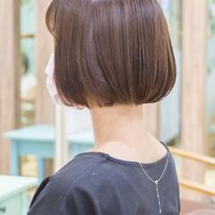 ショート ショートヘア ミニボブ アッシュベージュ ヘアスタイルや髪型の写真・画像