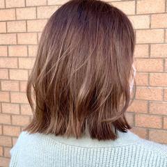 ウルフカット ヘアカラー フェミニン アッシュベージュ ヘアスタイルや髪型の写真・画像
