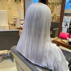 セミロング ストレート ストリート ホワイトカラー ヘアスタイルや髪型の写真・画像