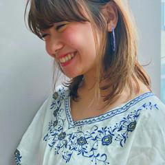 ナチュラル アウトドア ミディアム ヘアアレンジ ヘアスタイルや髪型の写真・画像