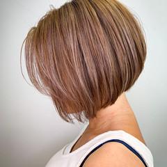 ダブルカラー ミニボブ ボブ ショートヘア ヘアスタイルや髪型の写真・画像