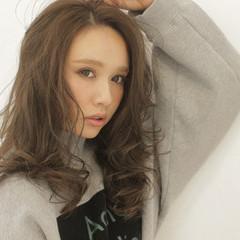 ミディアム 外国人風 大人かわいい 暗髪 ヘアスタイルや髪型の写真・画像